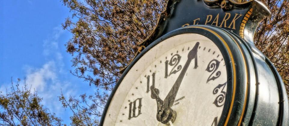 Lakeside Park Clock